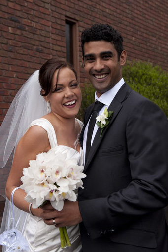 wedding couple outside st johns church ferntree gully