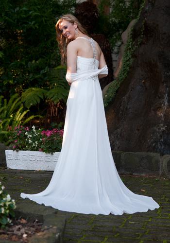 full length bridal portrait in garden