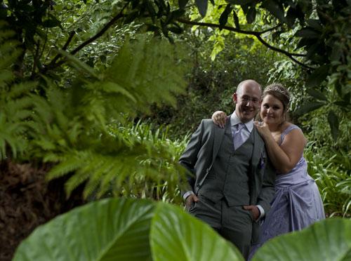 deep garden foliage at bram leigh frames wedding couple